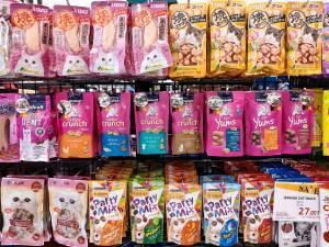 snack foods on store display for multiple skus